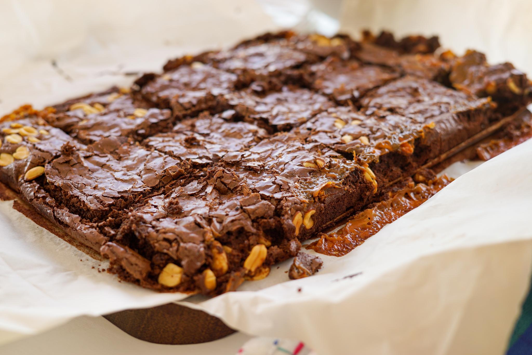 Brownie de chocolate, amendoim e doce de leite